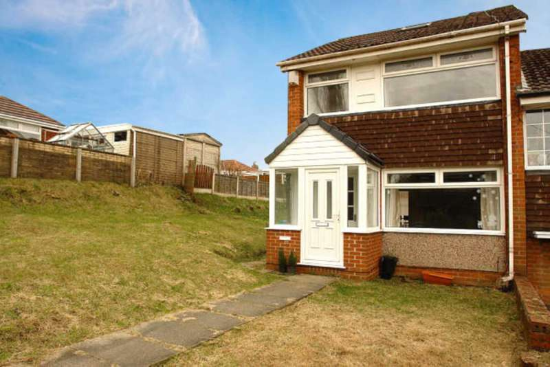 3 Bedrooms Semi Detached House for sale in Park Crescent, Chadderton