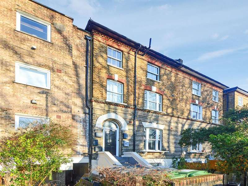 2 Bedrooms Flat for sale in Wynell Road, Forest Hill SE23