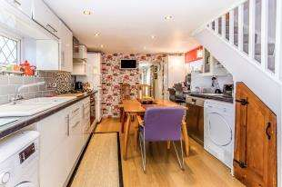2 Bedrooms Link Detached House for sale in Franklin Road, Gillingham, Kent