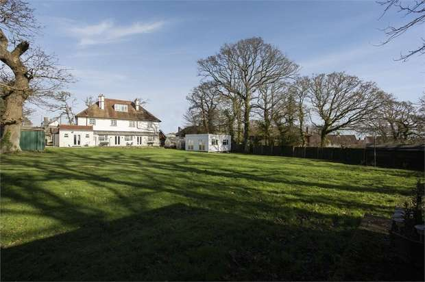 7 Bedrooms Detached House for sale in Postern Road, Camp Hill, Newport, Isle of Wight