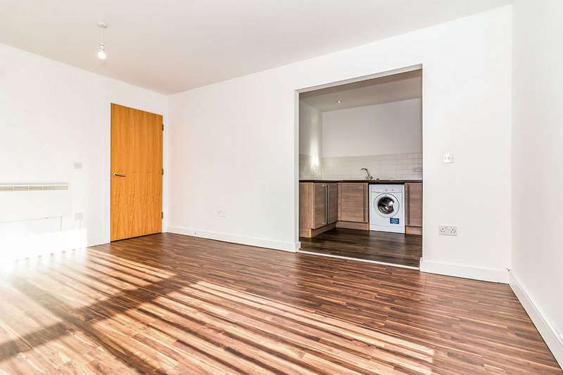 3 Bedrooms Apartment Flat for sale in West Craven Street, Salford, Greater Manchester, M5