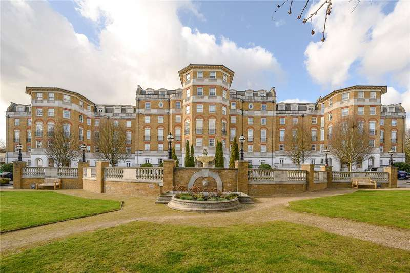 2 Bedrooms Flat for sale in Chapman Square, London, SW19