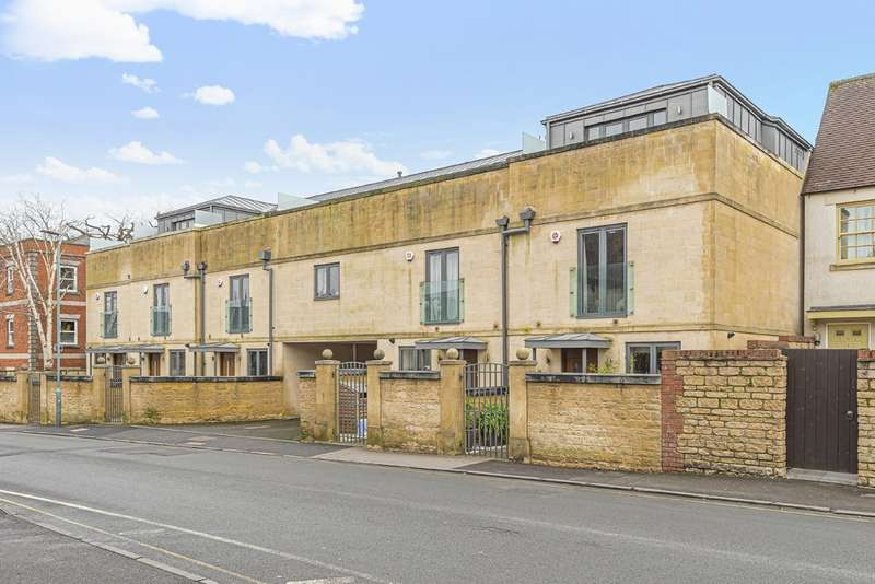 4 Bedrooms Terraced House for sale in Cirencester