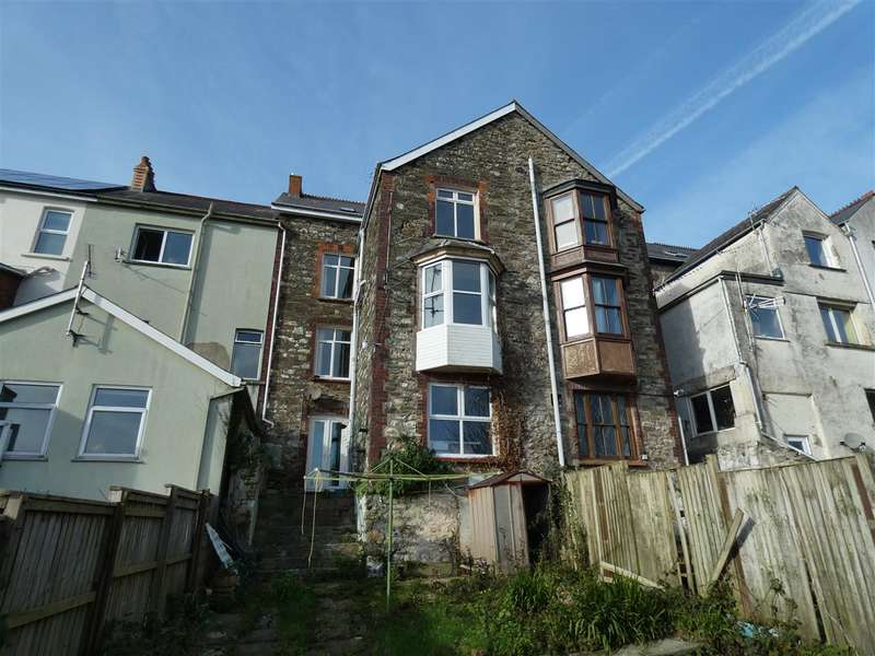 4 Bedrooms Town House for sale in Pentre House, Main Street, Goodwick