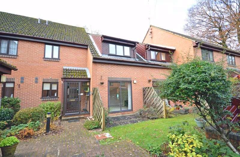 2 Bedrooms Property for sale in Candleford Gate, Liphook