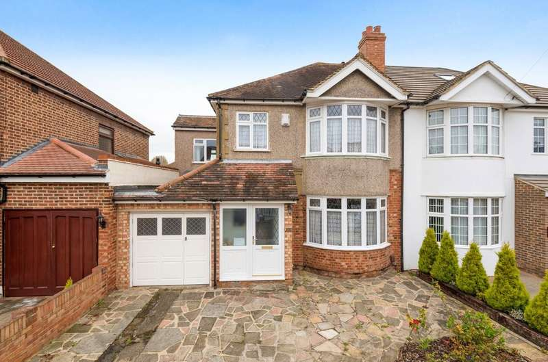 4 Bedrooms Semi Detached House for sale in Montbelle Road, London SE9