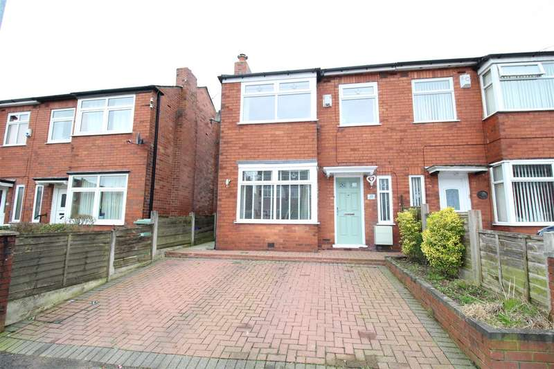 3 Bedrooms Semi Detached House for sale in Queensway, Swinley, Wigan