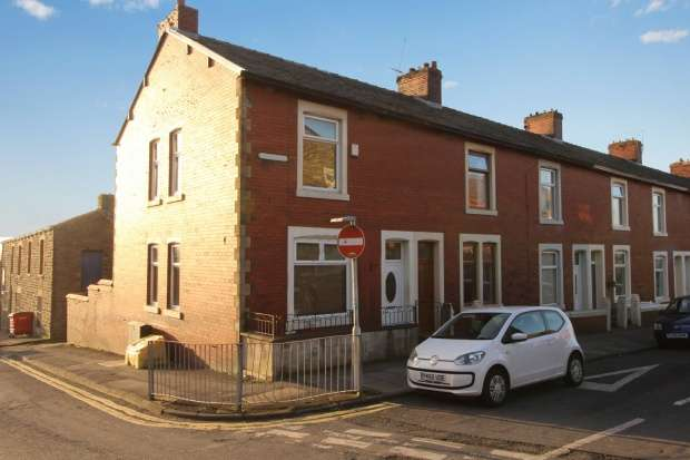 Terraced House for sale in Earl Street, Accrington, Lancashire, BB5 5NH