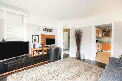 4 Bedrooms Detached House for sale in Hillcrest Road, Bramhall, Cheshire