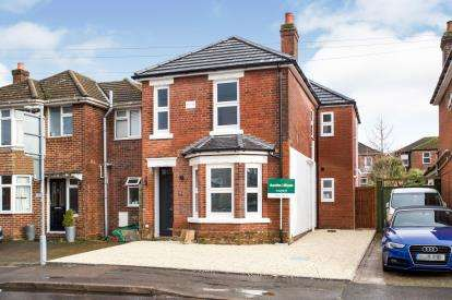 4 Bedrooms Detached House for sale in Bitterne Park, Southampton, Hampshire