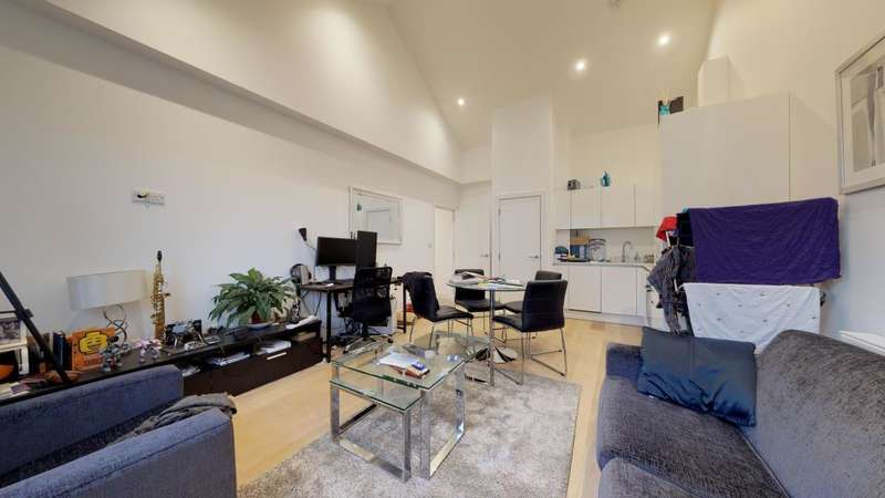 1 Bedroom Flat for sale in Sail Loft Court, London, E14