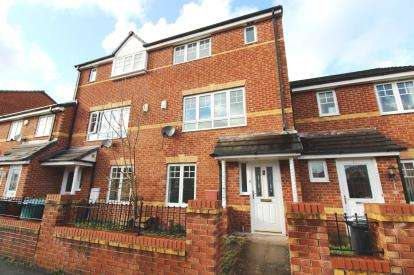 4 Bedrooms Terraced House for sale in Northcote Avenue, Wythenshawe, Manchester, Greater Manchester