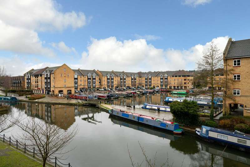 2 Bedrooms Apartment Flat for sale in OUTSTANDING 2 BED 2 BATHROOM CANAL side APARTMENT