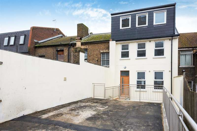 1 Bedroom Flat for sale in 22 High Street, Chatham , ME4 4EP