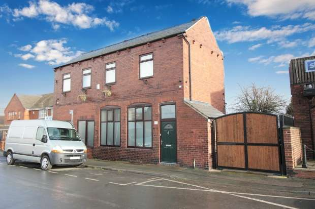Detached House for sale in Vickers Street, Castleford, West Yorkshire, WF10 4AB