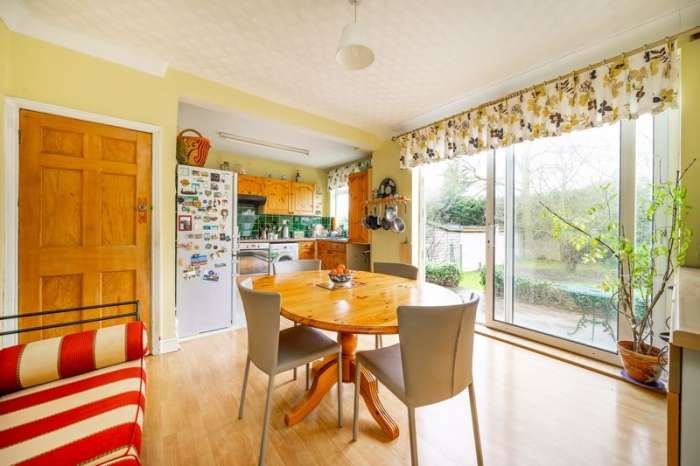 4 Bedrooms Semi Detached House for sale in Page Street, Mill Hill, London, NW7