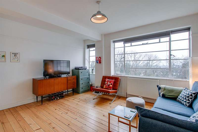 2 Bedrooms Flat for sale in Taymount Rise, Forest Hill, London