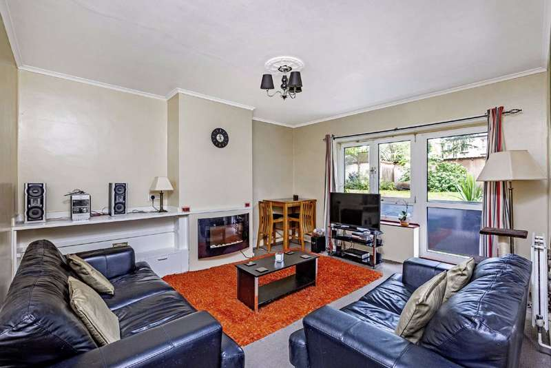 3 Bedrooms Flat for sale in Holmside Court, Nightingale Lane, Balham