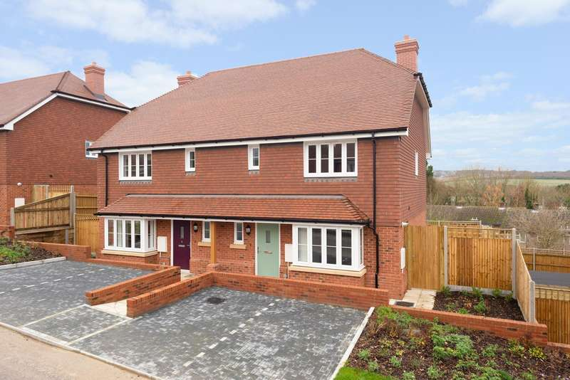 3 Bedrooms Semi Detached House for sale in Downs View Way, Chartham, Nr Canterbury, CT4