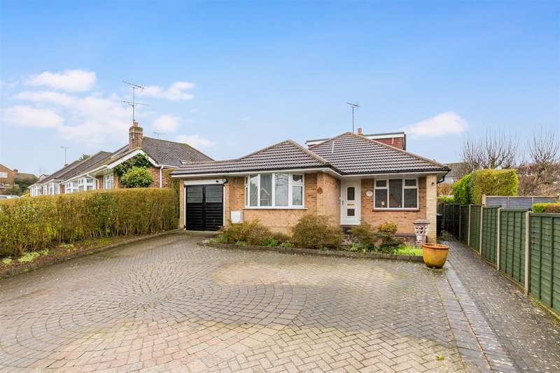 5 Bedrooms Chalet House for sale in Munns Drive, Burgess Hill