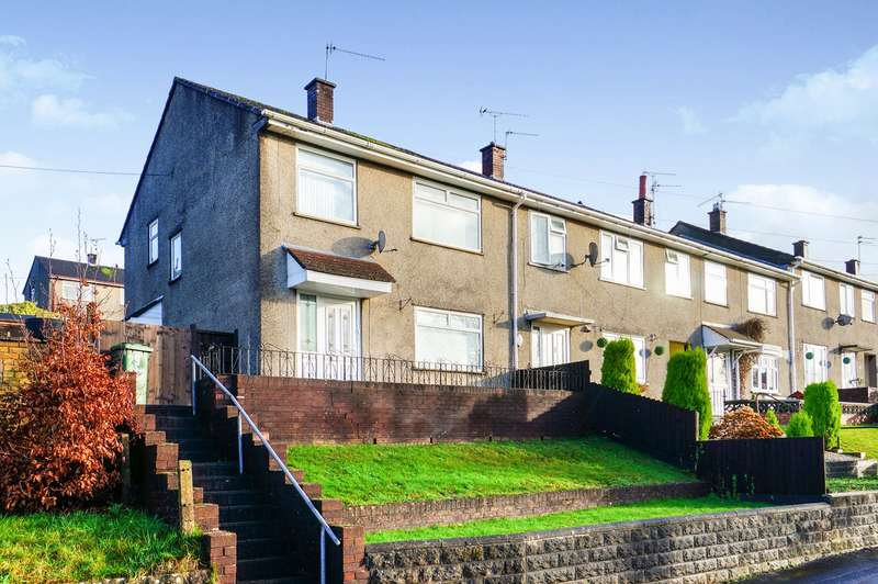 3 Bedrooms End Of Terrace House for sale in Maple Avenue, Risca, Newport, NP11
