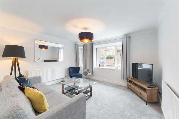 1 Bedroom Flat for sale in Thomas Lodge, West Avenue, London