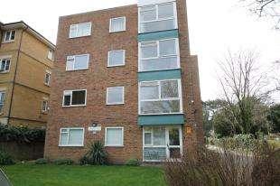 1 Bedroom Flat for sale in Erindale Court, 15 Copers Cope Road, Beckenham, .