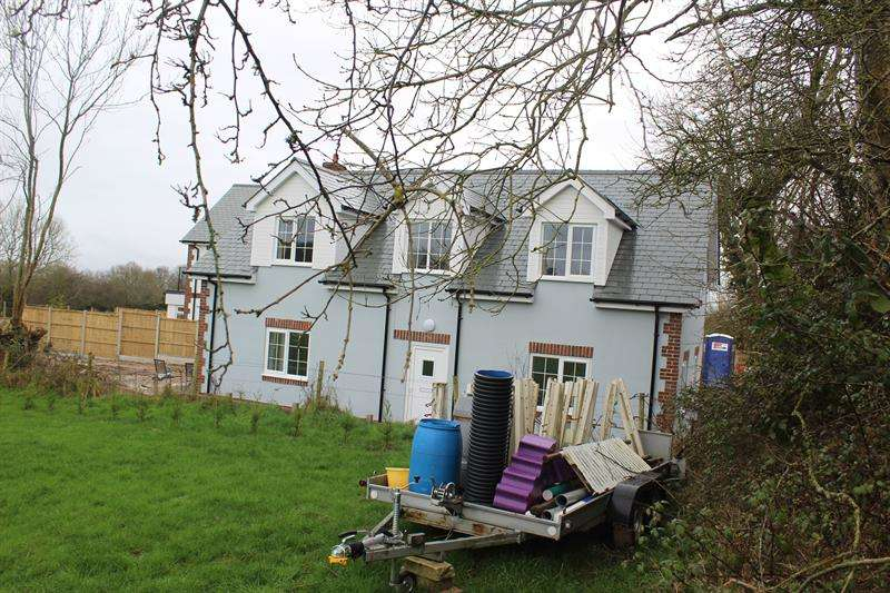 3 Bedrooms Cottage House for sale in FOXHILLS ROAD, LYTCHETT MATRAVERS, POOLE