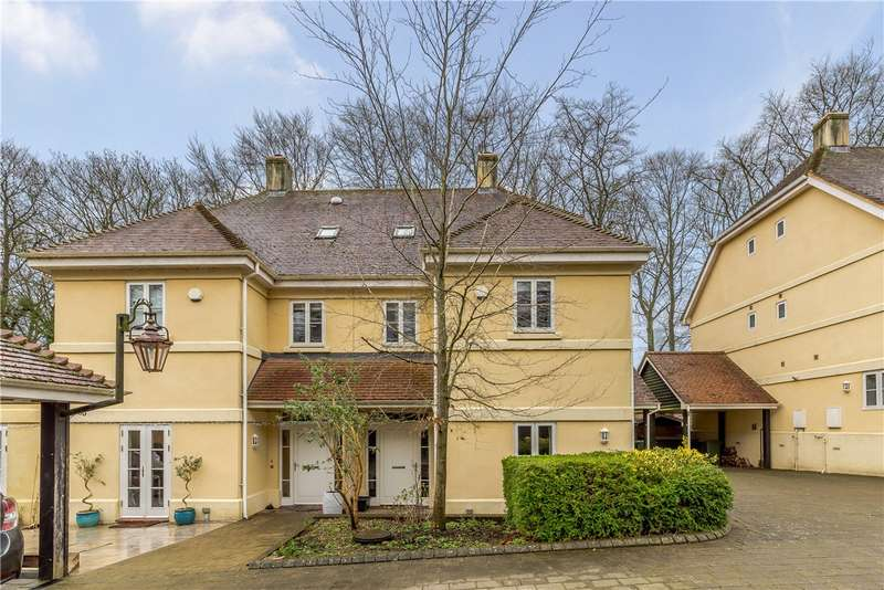 4 Bedrooms Semi Detached House for sale in Chilbolton Avenue, Winchester, Hampshire, SO22