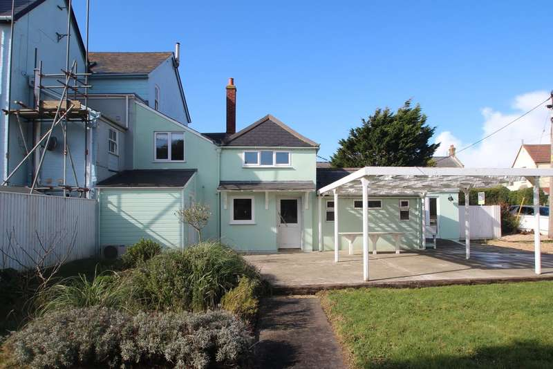 3 Bedrooms End Of Terrace House for sale in Coastguard Lane, Freshwater