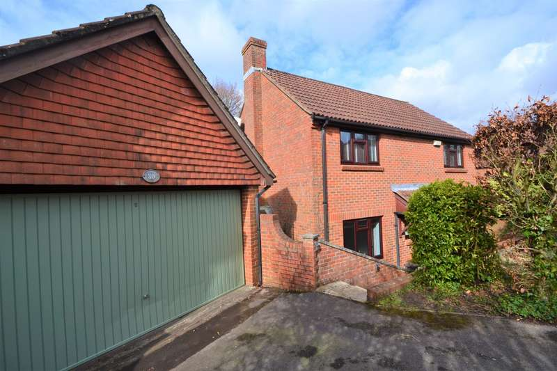 4 Bedrooms Detached House for sale in Valley Park