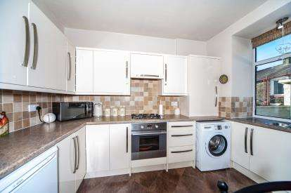 2 Bedrooms Terraced House for sale in Mabel Street, Colne, Lancashire, ., BB8