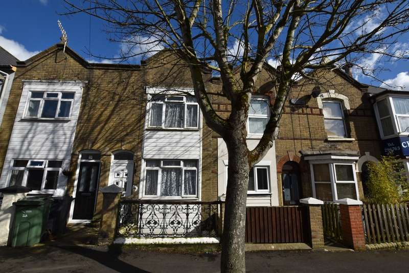 3 Bedrooms Terraced House for sale in Victoria Road, Cowes