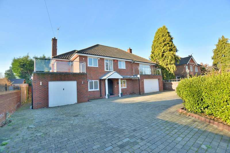 6 Bedrooms Detached House for sale in Avon Road, West Moors, Dorset, BH22 0EG