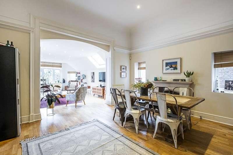 3 Bedrooms Flat for sale in Maresfield Gardens Hampstead NW3