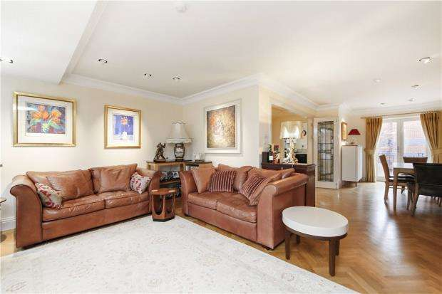 3 Bedrooms House for sale in Bermondsey Wall East, London