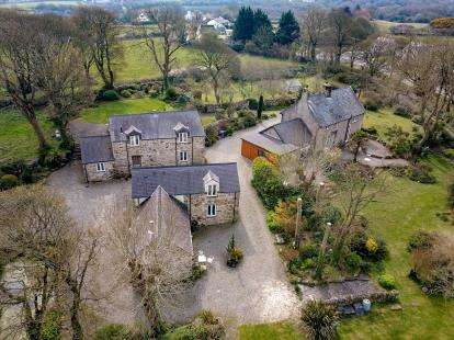 6 Bedrooms Detached House for sale in Tynygongl, Benllech, Anglesey, North Wales, LL74
