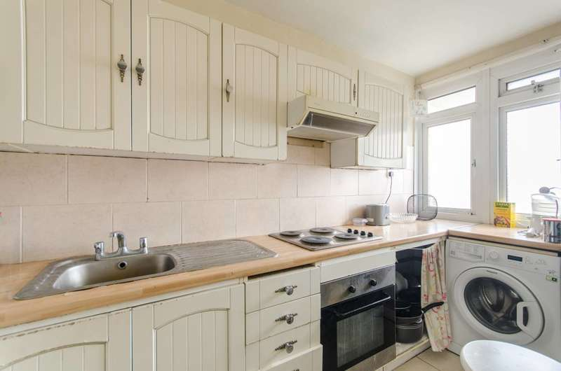 2 Bedrooms Flat for sale in Randolph Gardens, Maida Vale, NW6
