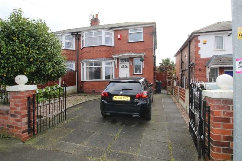 3 Bedrooms Semi Detached House for sale in Radcliffe Park Road, Salford, Greater Manchester, M6