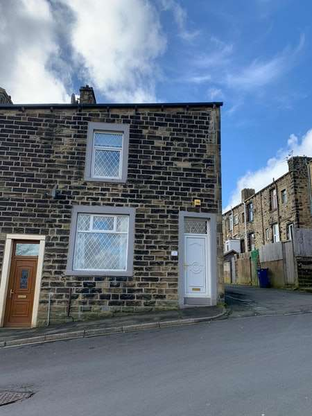 3 Bedrooms Terraced House for sale in Peter Street, Colne, Lancashire, BB8