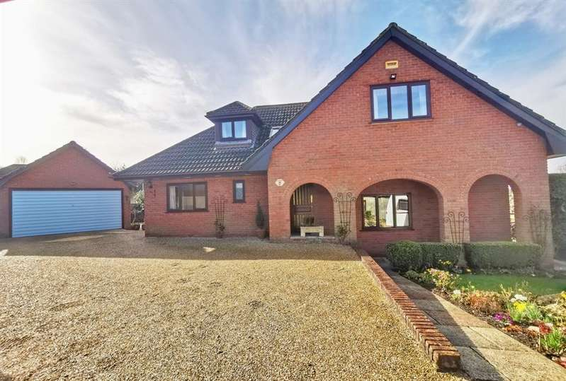 4 Bedrooms Detached House for sale in Pine Drive, St. Ives