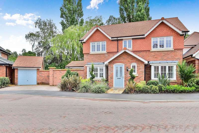 4 Bedrooms Detached House for sale in Bletchley Park Way, Wilmslow, SK9