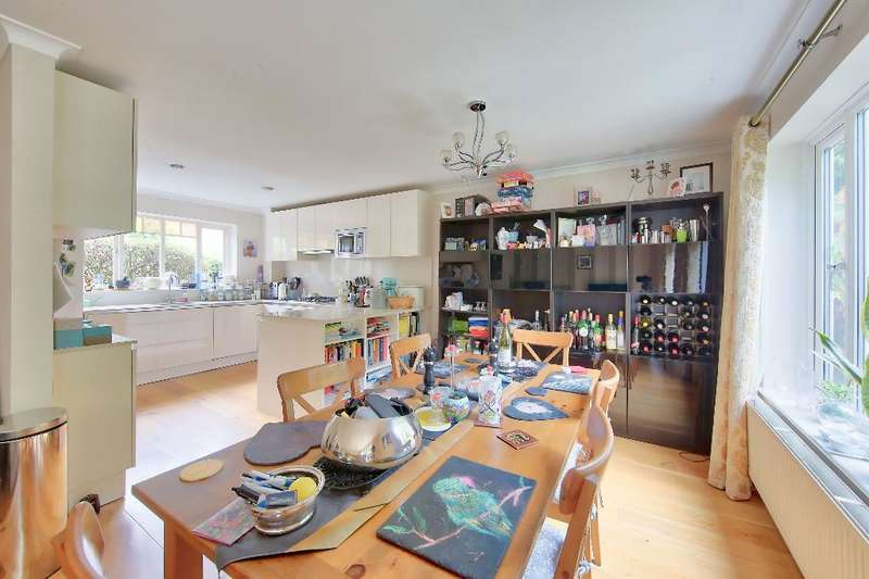 3 Bedrooms End Of Terrace House for sale in Oak Park Gardens, Wimbledon, SW19 6AR