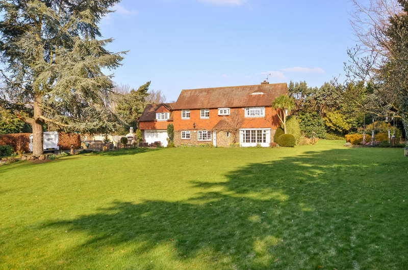 4 Bedrooms Detached House for sale in Old Bedhampton, Hampshire