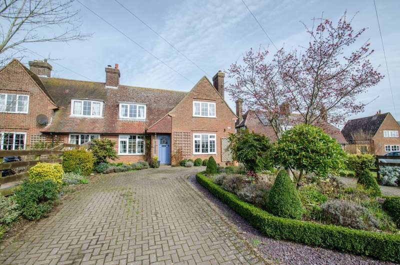 3 Bedrooms Semi Detached House for sale in Chequers Lane, Preston, Hitchin, Hertfordshire, SG4