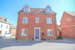 4 Bedrooms Detached House for sale in Russett Close, Ashford, Kent, .