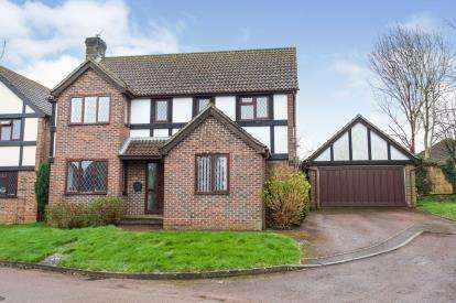 4 Bedrooms Detached House for sale in Horndean, Waterlooville, Hamspshire