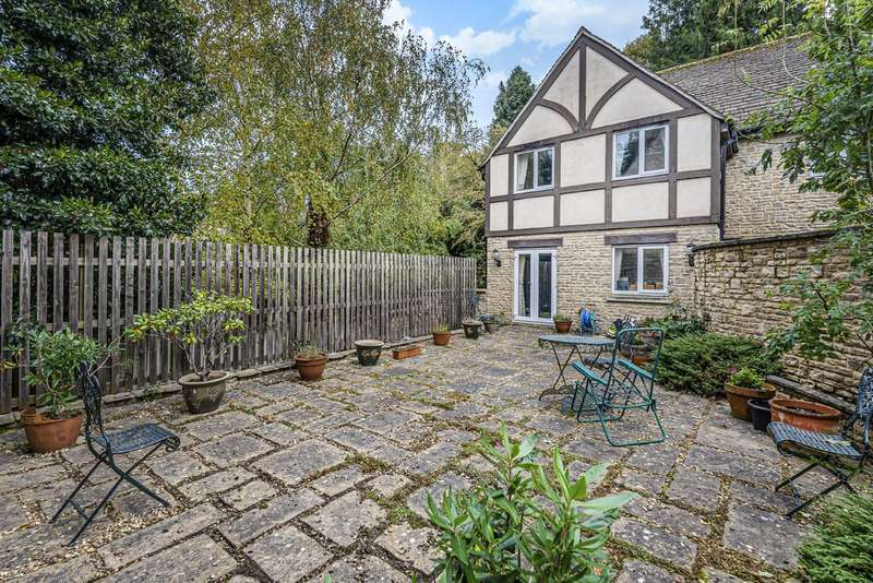 3 Bedrooms Detached House for sale in Chapel Courtyard, Highfield Lane