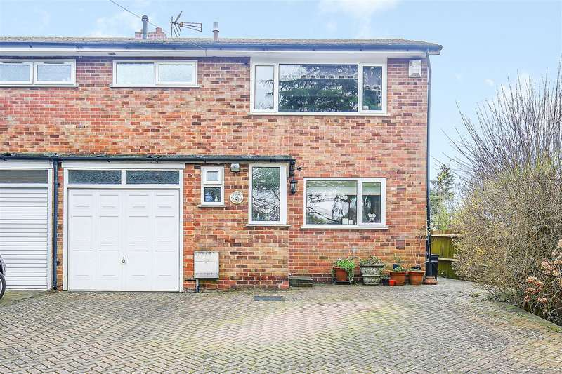 3 Bedrooms Semi Detached House for sale in Lusted Hall Lane, Tatsfield, Westerham