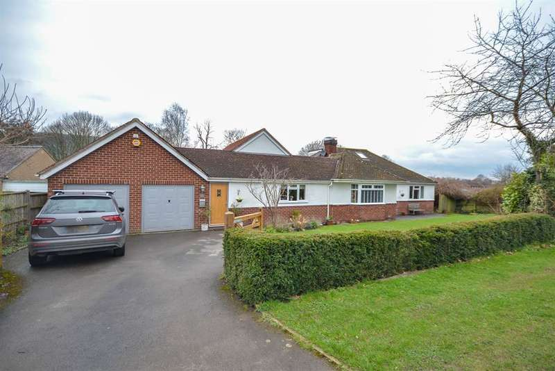 5 Bedrooms Detached House for sale in Hopton Road, Cam, Dursley, GL11 5PB